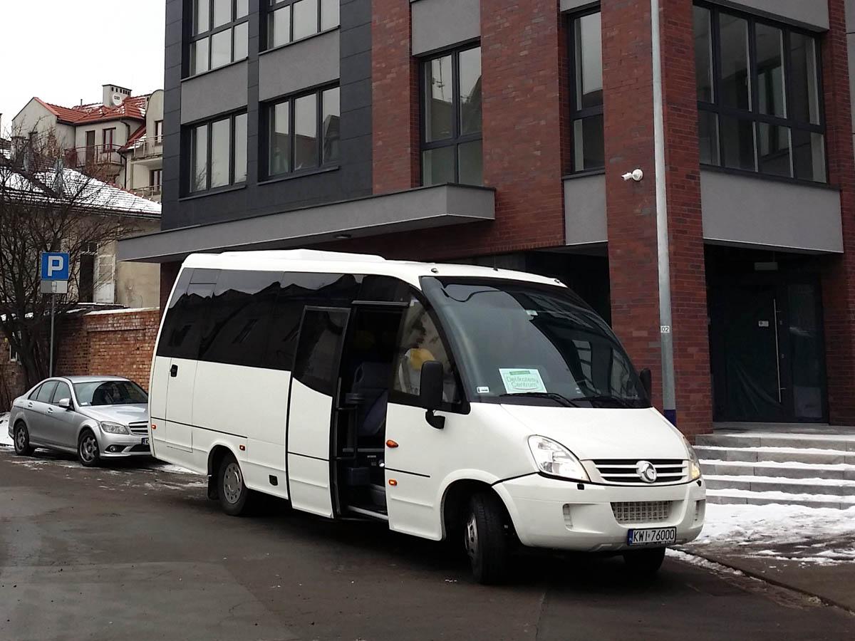 przewóz osób kraków - bus Iveco Wing 29